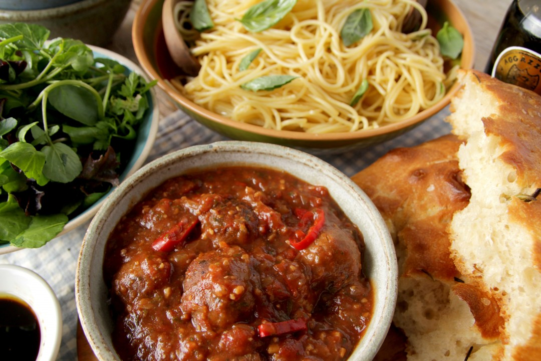 Vegan Meatballs Tomato & Chilli Sauce